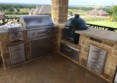Custom Outdoor Kitchen Construction