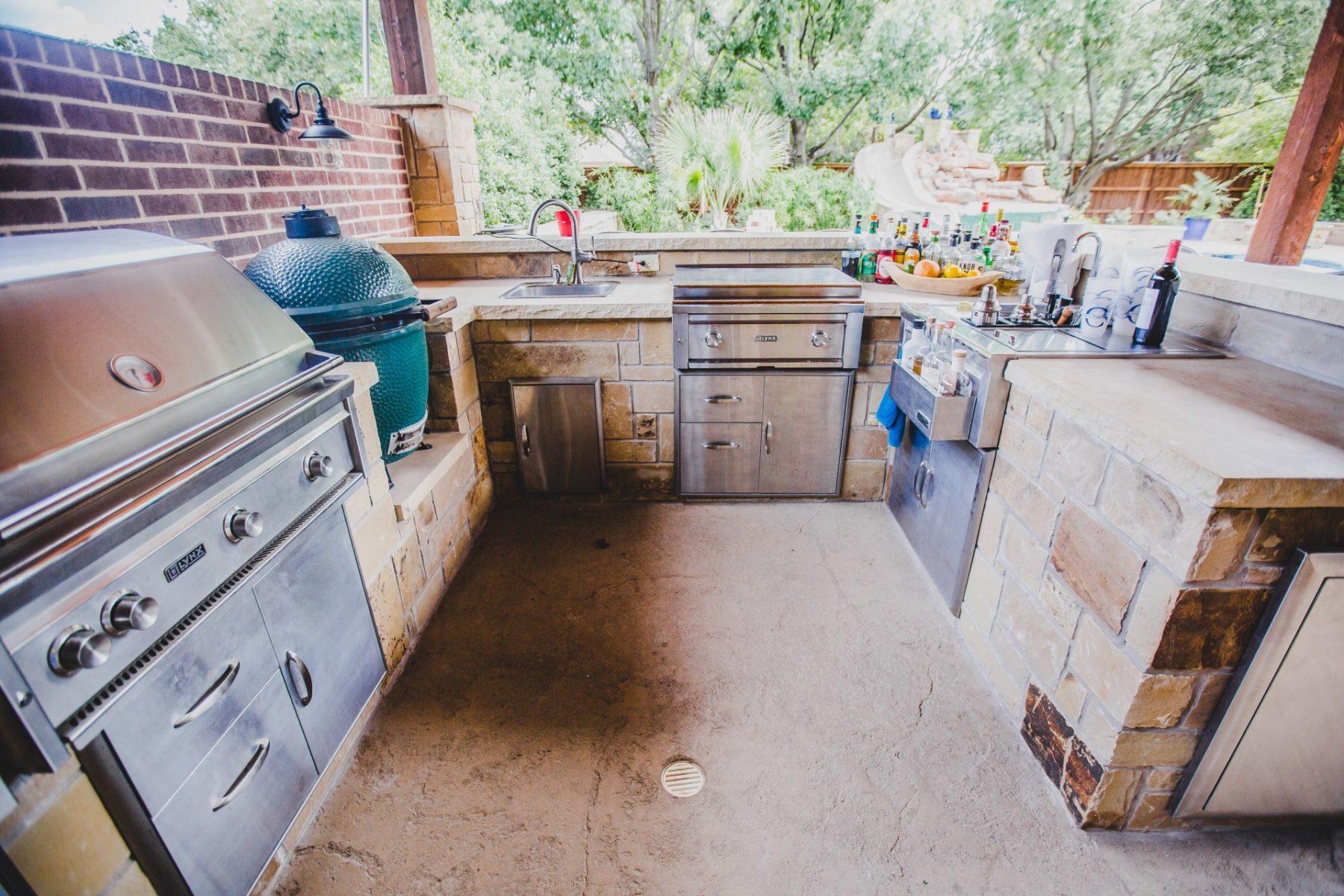 custom outdoor kitchen in fort worth, tx